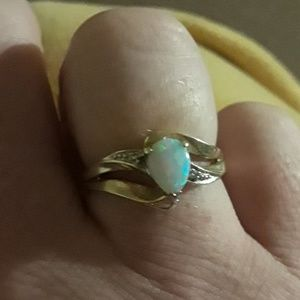 10k/Opal/Diamond Ring